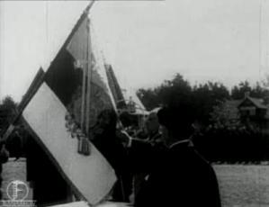 Lipu annetamine Pioneer pataljonile Nõmmel